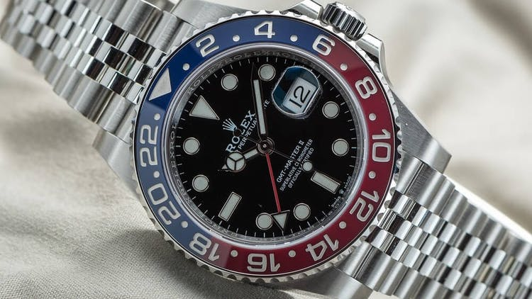 New Rolex GMT Master II 'Pepsi' 126710BLRO, Photo : Bert Buijsrogge