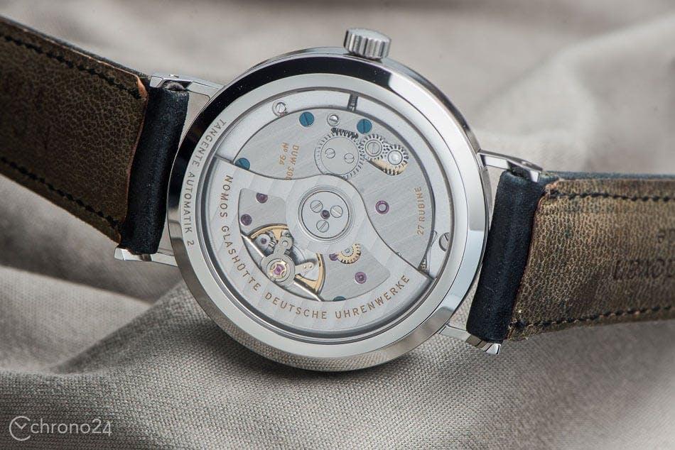 1ac78884ba244a Stiamo parlando degli orologi animati da un movimento meccanico o al quarzo.  Andiamo a scoprire le loro differenze.
