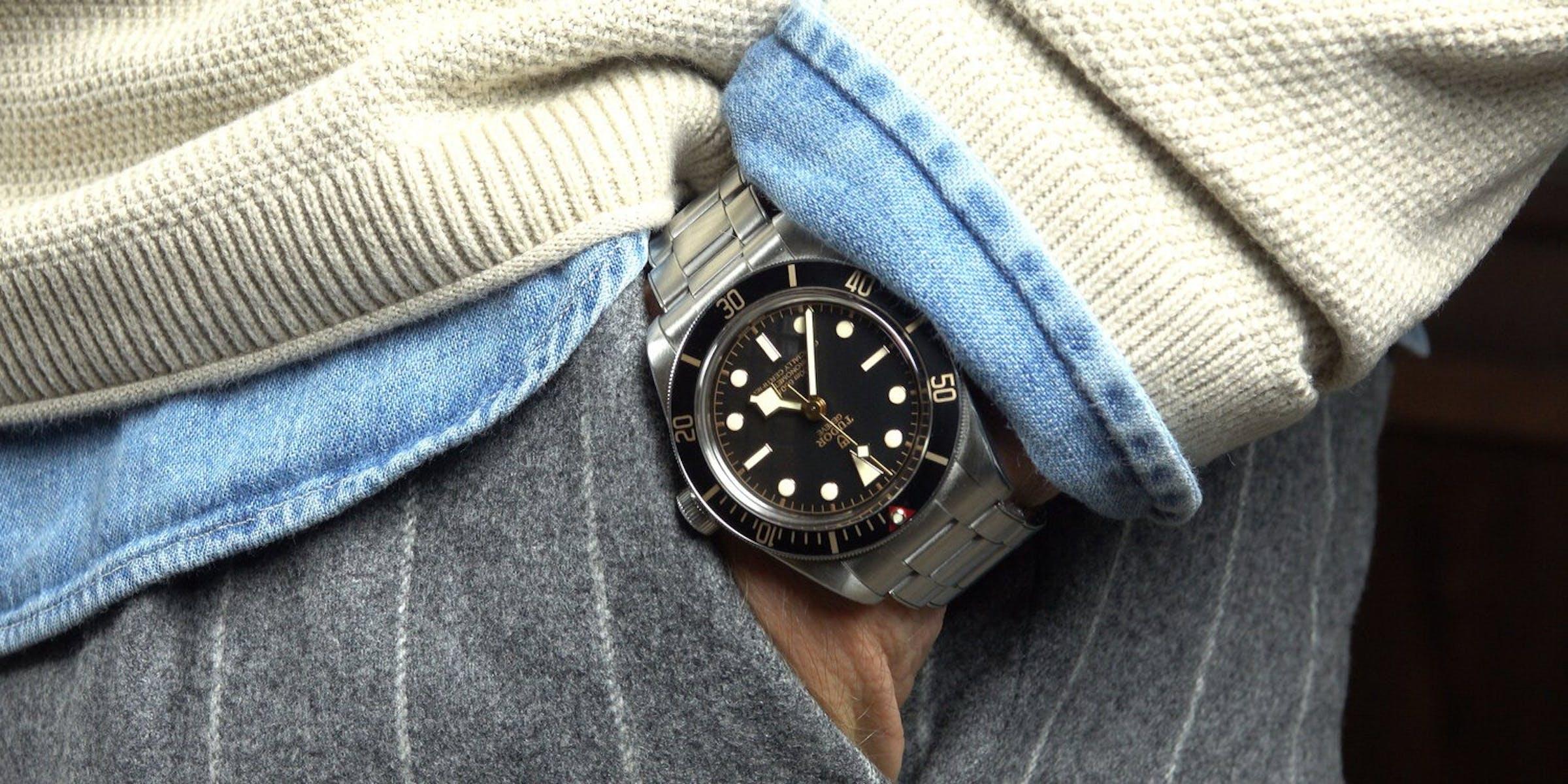 CAM-1290-Watch-Dresscode-2-1
