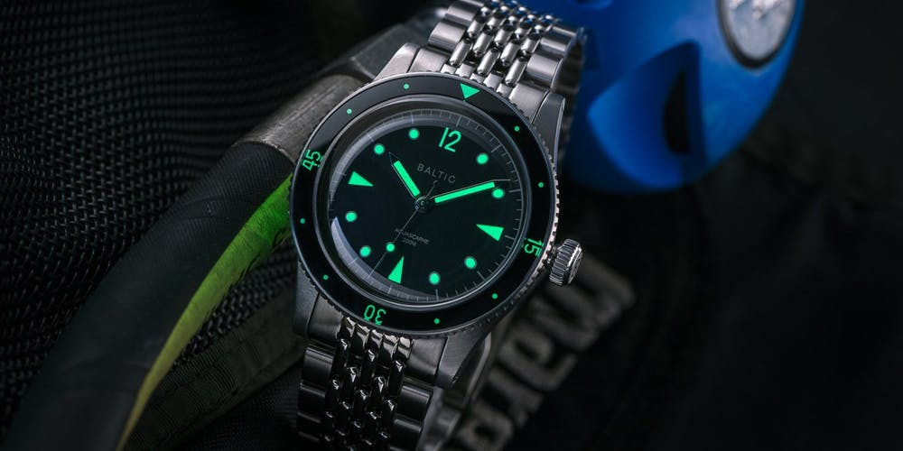 CAM-1293-Entry-Level-Diver-Watches-2-1