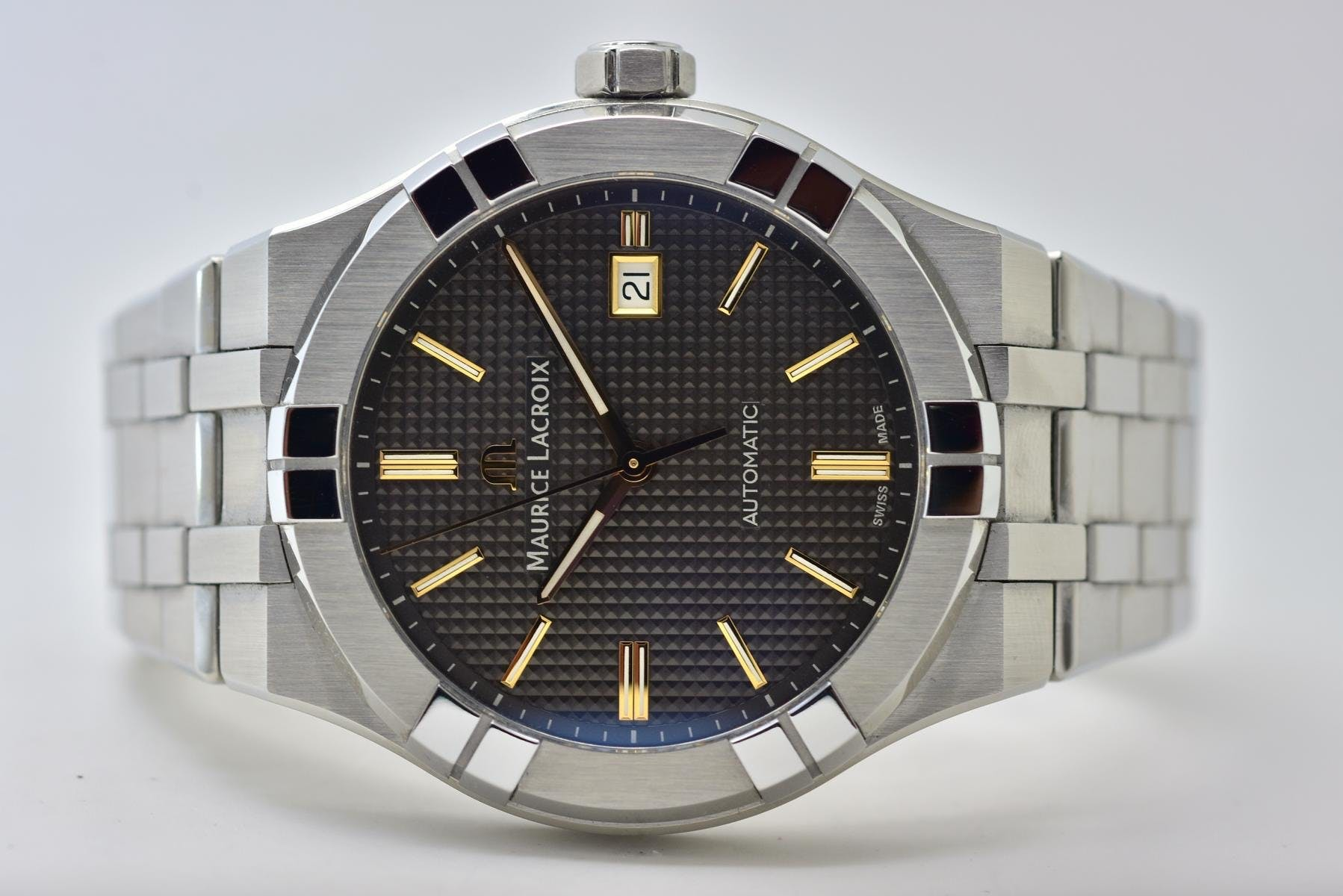 Maurice Lacroix AIKON Automatic 42 mm