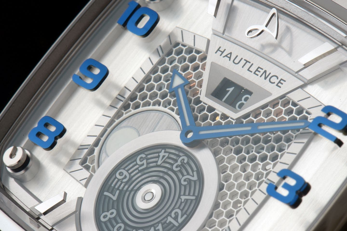Hautlence Destination 02