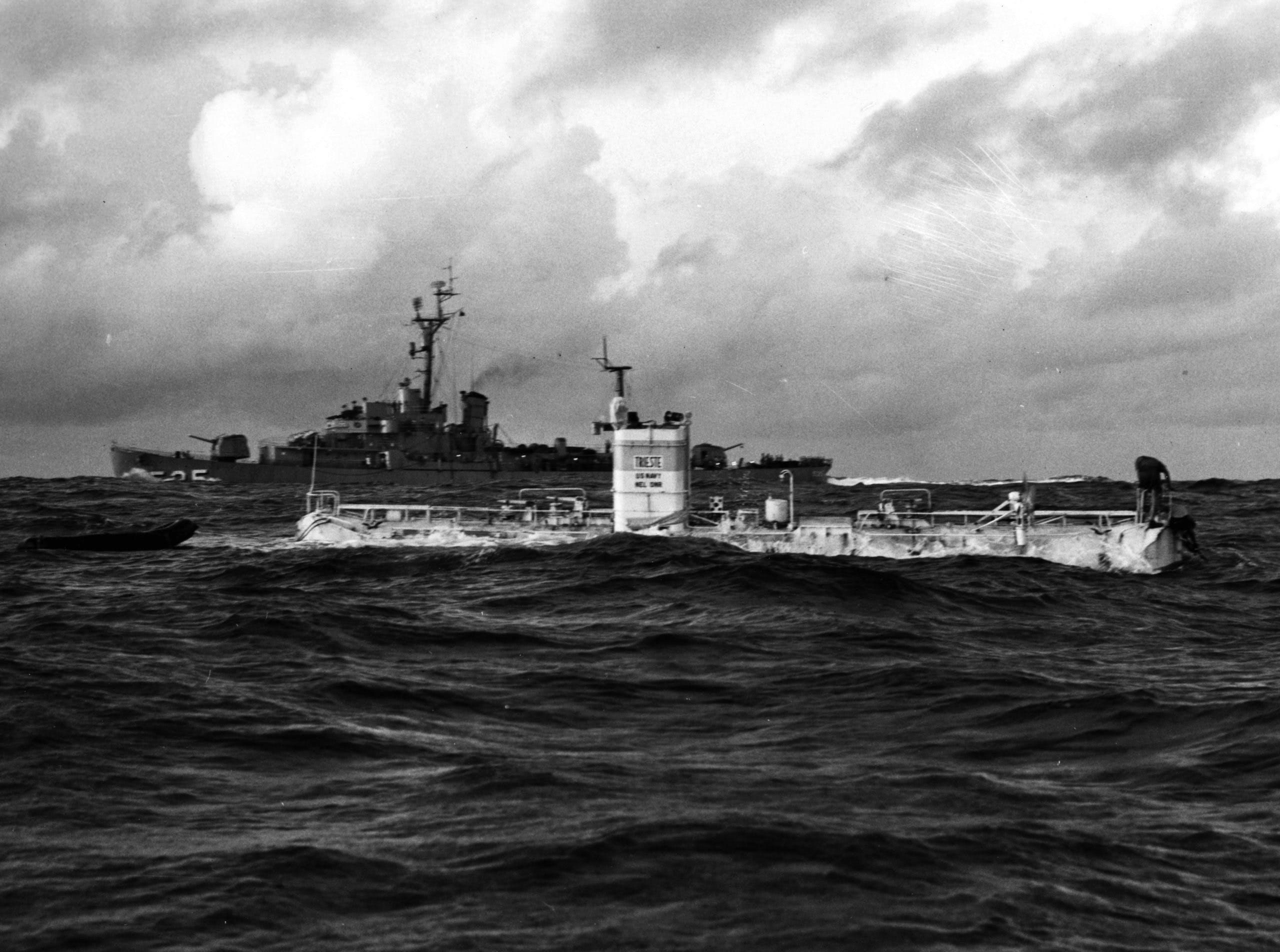 """Un Rolex a bordo: il sottomarino """"Trieste"""" con l'orologio Deep-Sea ha raggiunto una profondità di ca. 11.000 metri."""